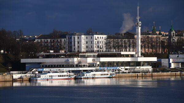 Вид на Ярославский речной порт