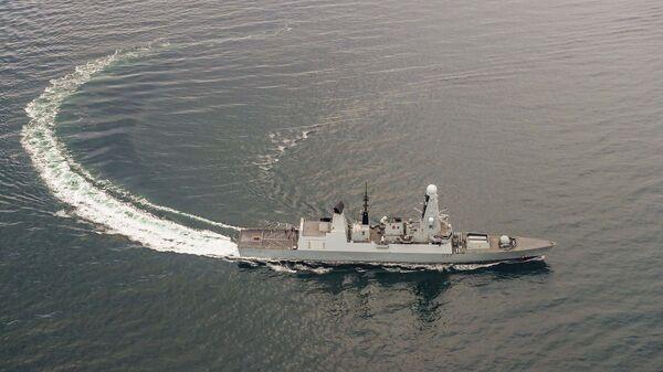 Ракетный эсминец HMS Duncan Королевского военно-морского флота Великобритании в Черном море