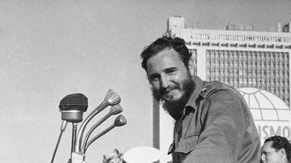 Кубинский лидер Фидель Кастро на выступлении