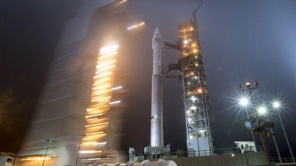 Ракета Atlas-V United Launch Alliance с космическим аппаратом NASA InSight на борту перед стартом