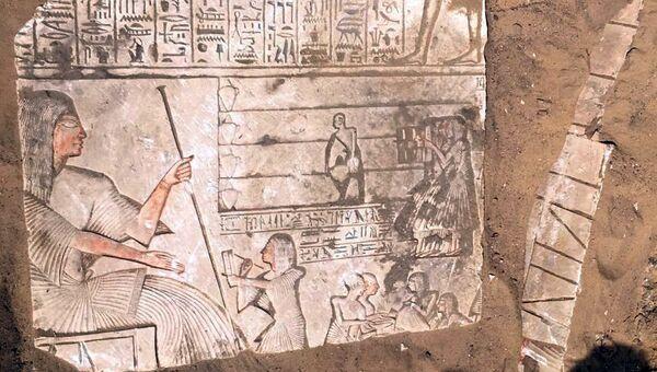Артефакты, найденные в гробнице генерала Иврия в Саккаре