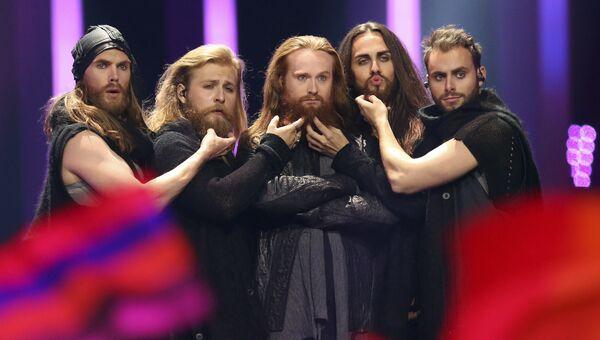 Участник из Дании Расмуссен в финале конкурса Евровидение. 12 мая 2018