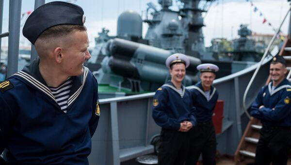 Моряки-Чернофлотцы на борту боевого корабля Черноморского флота в Севастополе