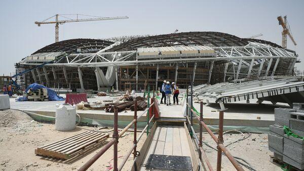 Строительство стадиона Аль-Вакра в катарском городе Доха. Архивное фото