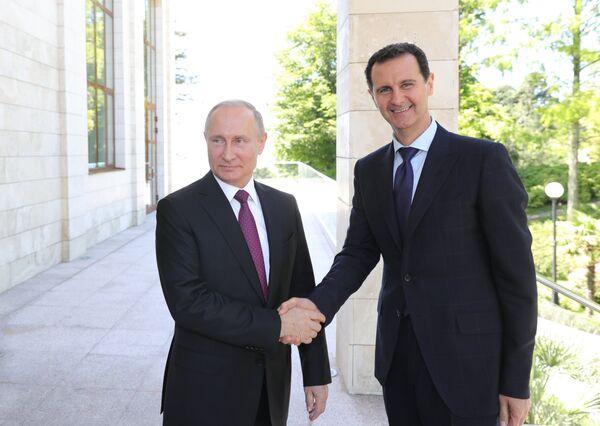 Президент РФ В. Путин встретился в Сочи с главой Сирии Б. Асадом