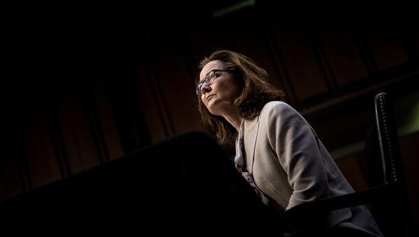 Кандидат на пост директора ЦРУ Джина Хаспел на слушаниях по поводу её назначения в Сенатском разведывательном комитете на Капитолийском холме в Вашингтоне. 9 мая 2018