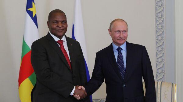 Президент Центральноафриканской Республики Фостен Арканж Туадера и президент РФ Владимир Путин во время встречи. 23 мая 2018