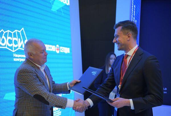 Генеральный директор МИА Россия сегодня Дмитрий Киселев на стенде Международного информационного агентства (МИА) Россия сегодня на Петербургском международном экономическом форуме 2018