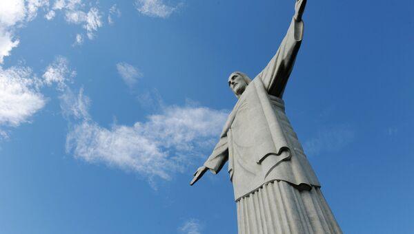 Статуя Христа-Искупителя на горе Корковаду в Рио-де-Жанейро