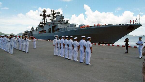 БПК Адмирал Виноградов во время первого дня визита группы кораблей российского тихоокеанского флота в Таиланд. 27 мая 2018