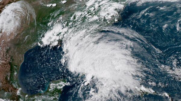 Тропический шторм из космоса