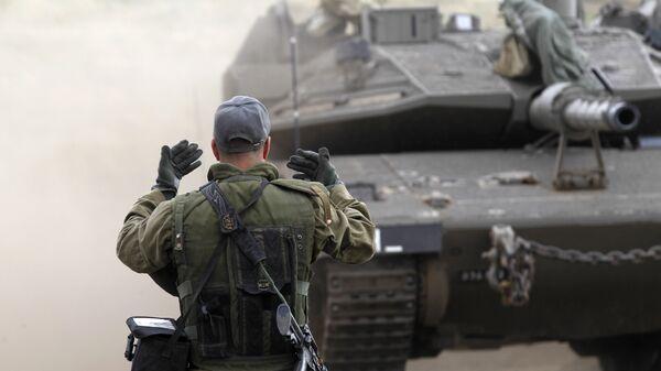 Израильский солдат на Голанских высотах. Архивное фото