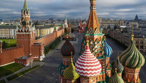Купола Храма Василия Блаженного на Красной площади в Москве. Архивное фото