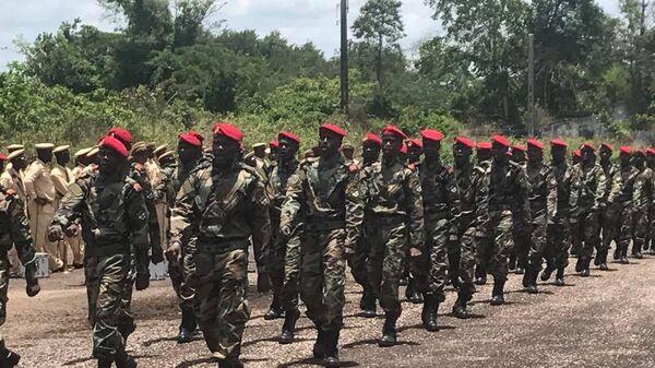 Парад первой роты (200 человек) центральноафриканской армии. 31 марта 2018