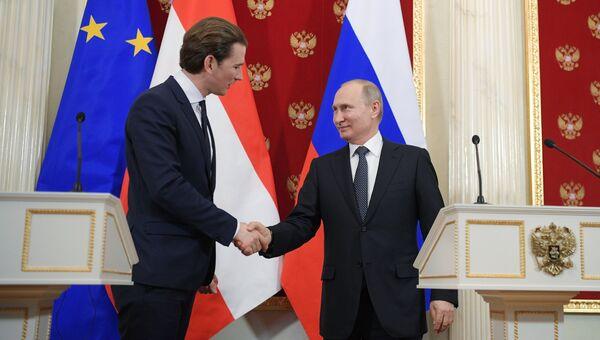 Канцлер Австрии Себастьян Курц и президент РФ Владимир Путин во время пресс-конференции по итогам встречи. 28 февраля 2018