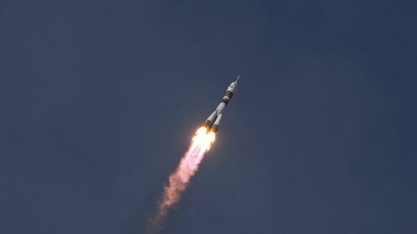 Запуск ТПК  с участниками длительной экспедиции МКС