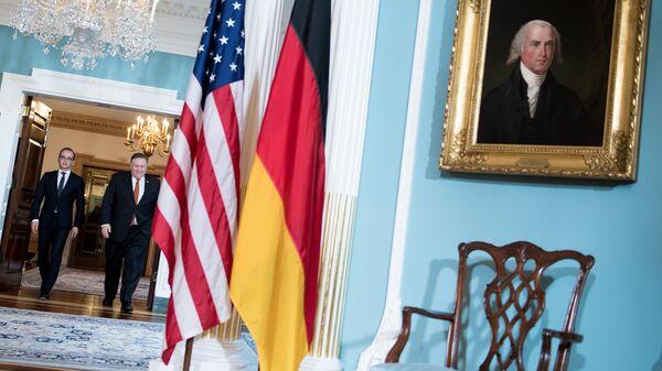 Глава немецкого МИД Хайко Маас и госсекретарь США Майк Помпео во время встречи в Вашингтоне. 23 мая 2018