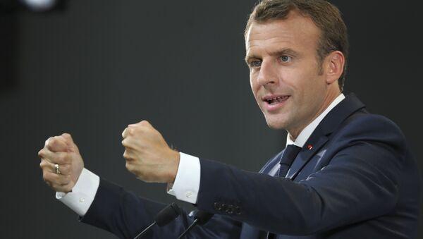 Президент Франции Эммануэль Макрон выступает накануне саммита G7 в Канаде