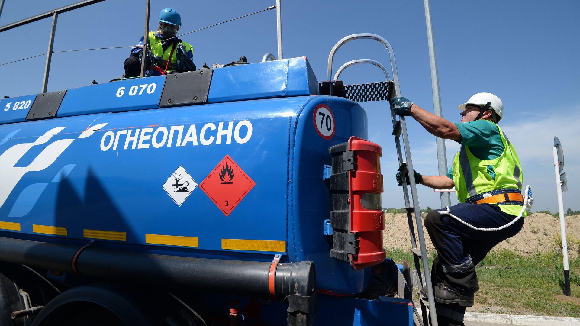 Эксперт оценил идею запретить экспорт бензина