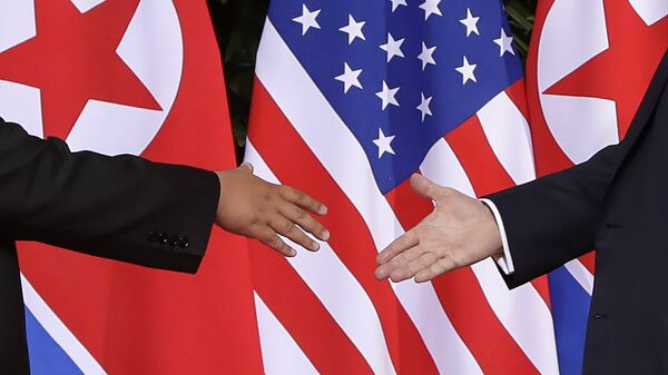 Флаги КНДР и США