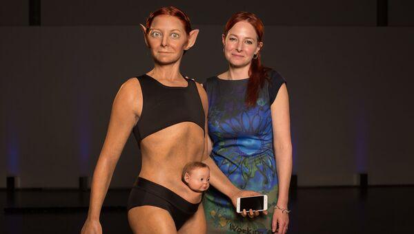 Профессор Бирмингемского университета Элис Робертс и ее модель идеальной женщины