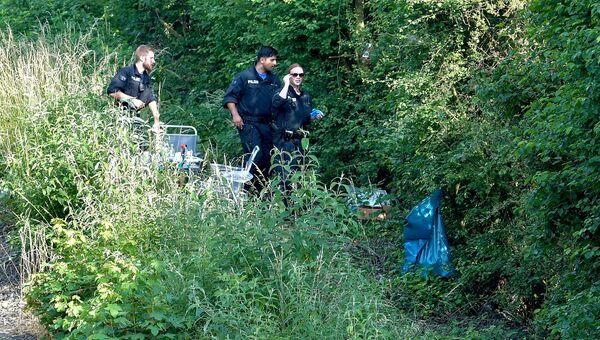 Полиция работает на месте, где было найдено тело Сюзанны Фельдман