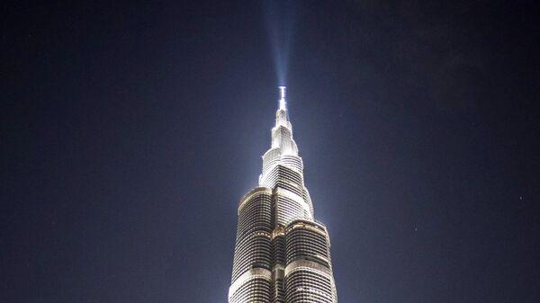 Вид на самый большой небоскреб Бурдж-Халифа в Дубае.