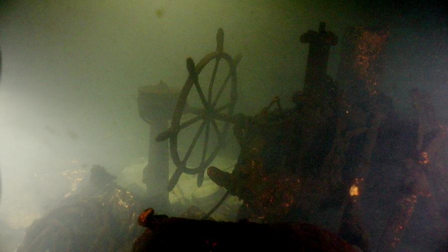 Останки эсминца Новик на дне Финского залива