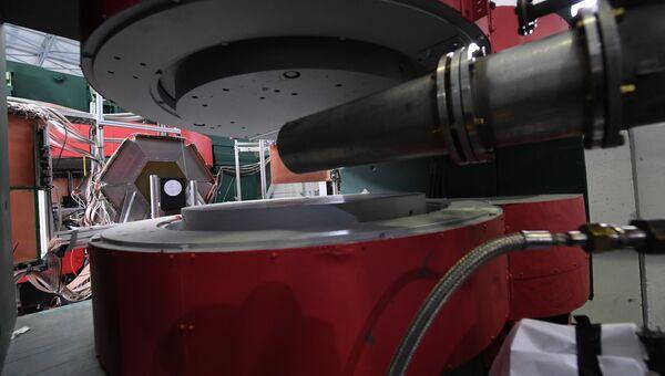 Горизонтальный фокусирующий магнит СП-57 и ионопровод BM@N