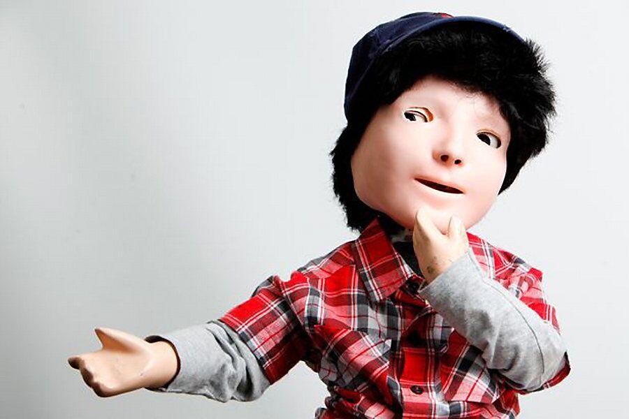 Робот Каспар, созданный в качестве терапии для детей с аутизмом