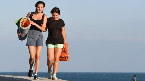 Девушки на море в Сочи