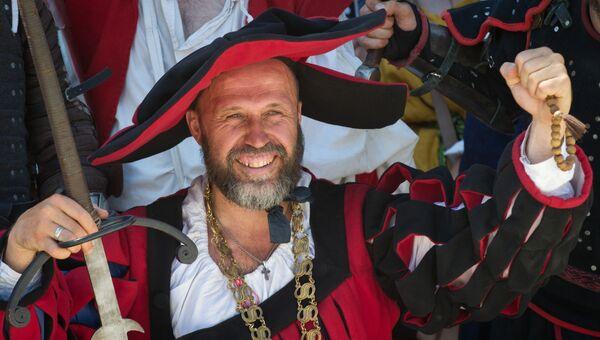 Рыцарский фестиваль Генуэзский шлем в Крыму
