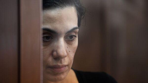 Член правления компании Интер РАО Карина Цуркан, подозреваемая в шпионаже в пользу Румынии, во время рассмотрения жалобы на арест в Московском городском суде. 28 июня 2018