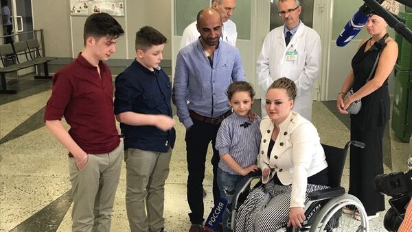 Ирина Баракат во время встречи с семьей в Санкт-Петербурге. 29 июня 2018