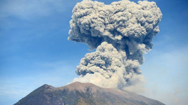 Вулкан Агунг, Бали. 3 июля 2018
