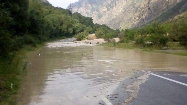 Подтопление участка автодороги Прохладный-Баксан-Азау в Эльбрусском районе