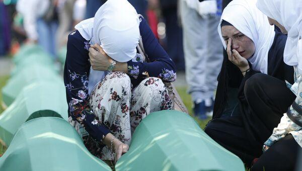 Во время перезахоронения жертв трагических событий 1995 года в Боснии и Герцеговине в Сребренице. 11 июля 2018