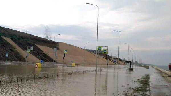 Размытая дорога к стадиону Волгоград Арена в Волгограде