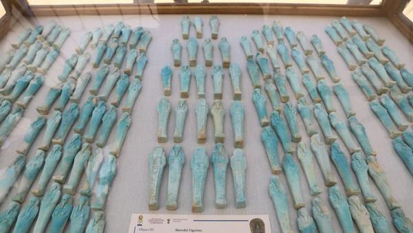 Статуэтки шавабти из мастерской мумий, найденной в Саккаре