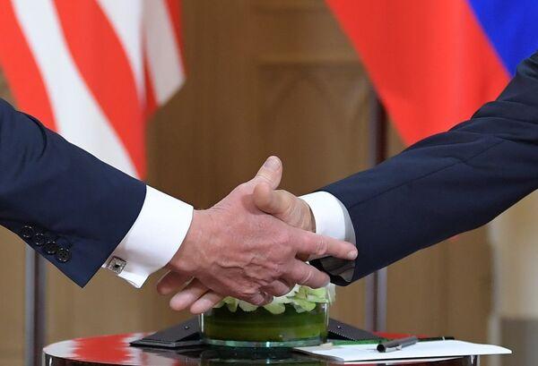 Во время встречи президента РФ Владимира Путина и президента США Дональда Трампа в президентском дворце в Хельсинки. 16 июля 2018