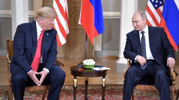Встреча президента РФ Владимира Путина и президента США Дональда Трампа. Архивное фото