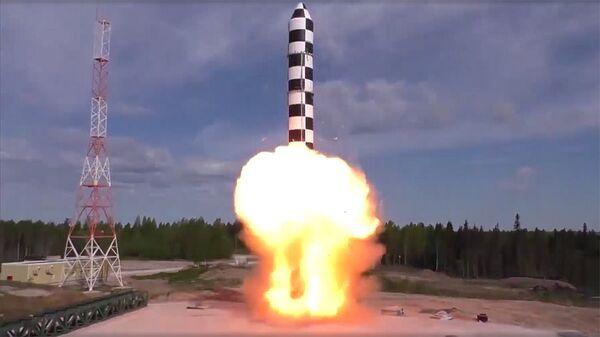 Испытания межконтинентальной ракеты Сармат. Архивное фото