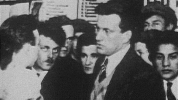 Романтик, поэт и революционер. Владимир Маяковский в архивных кадрах