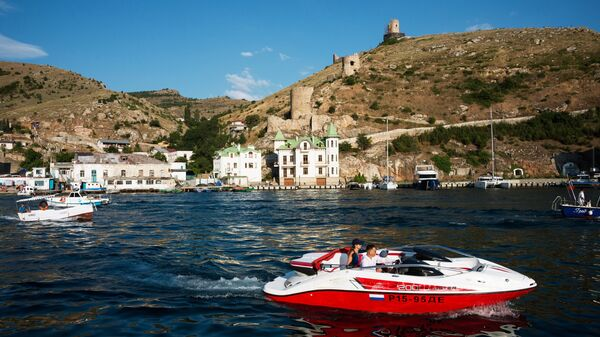 Крепость Чембало на берегу Черного моря в Балаклаве