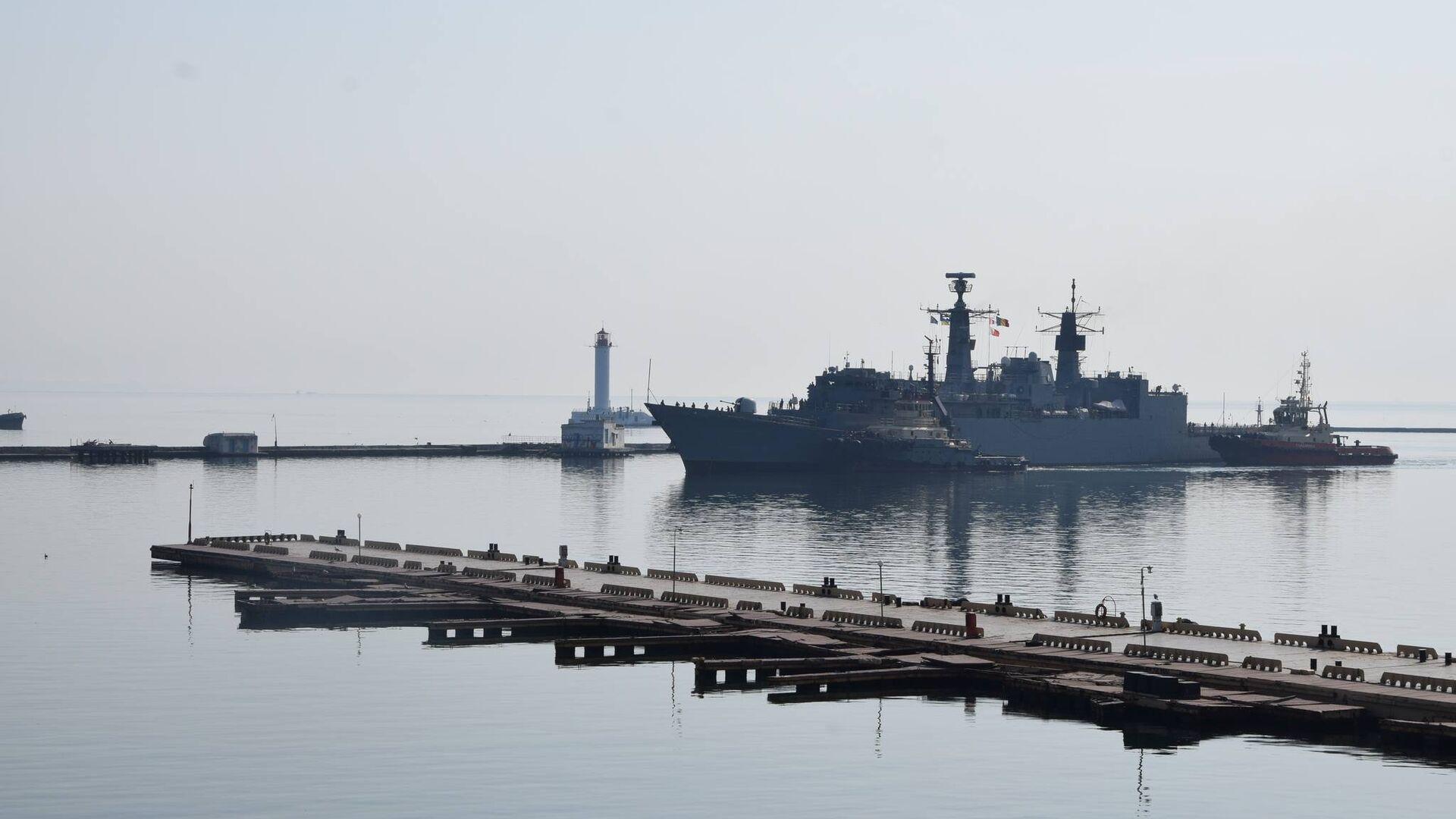 Корабли военно-морской группы НАТО в порту Одессы - РИА Новости, 1920, 16.05.2021