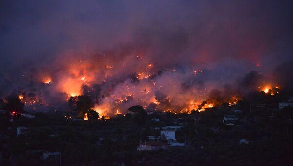 Пожар в городе Рафина в Греции. 23 июля 2018 года