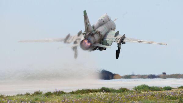 Истребитель-бомбардировщик СУ-17 сирийских военно-воздушных сил