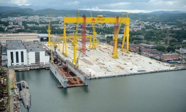 Строительство тяжелого достроечного стапеля судостроительного комплекса Звезда на южном побережье Приморского края