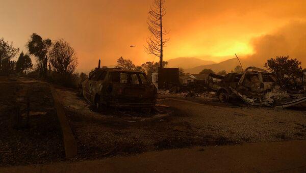 Последствия лесных пожаров в штате Калифорния, США. 27 июля 2018