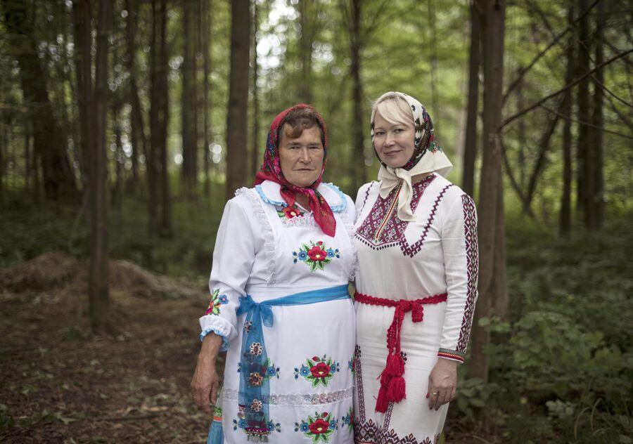 Жительницы села  Шоруньжа  в национальных костюмах на праздник Сярем